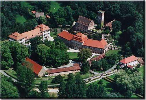 SchlossLuftaufnahme[1]